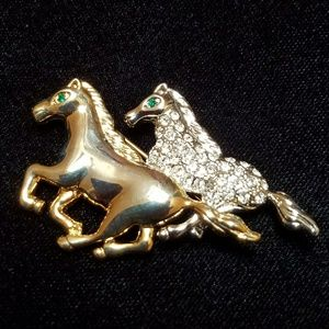 Jewelry - 🌷🌷HOST PICK🌷🌷Vintage Horse Brooch